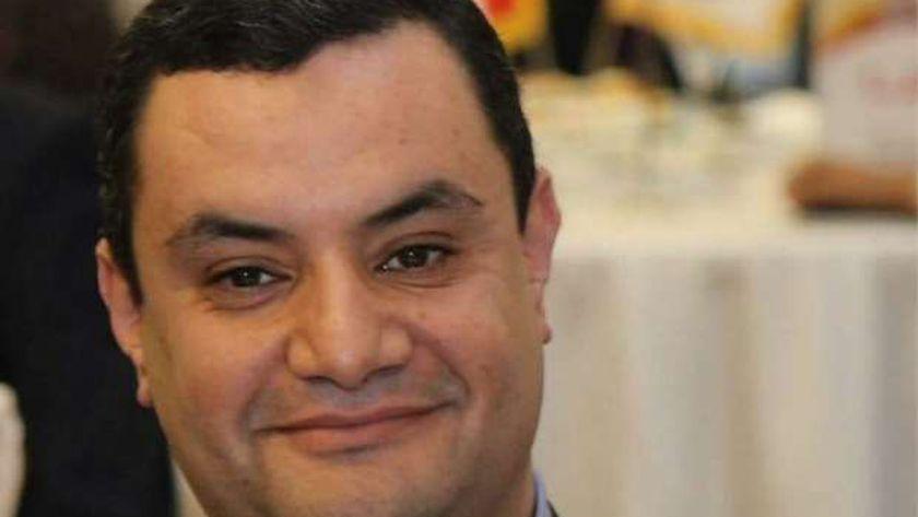 النائب أكمل نجاتي، عضو مجلس الشيوخ عن تنسيقية شباب الأحزاب والسياسيين