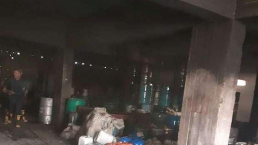 حريق بمخزن بلاستيك وبويات بالمنطقة الصناعية في بلبيس (صور)