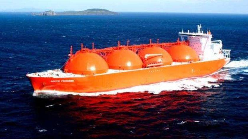 كيف يؤثر أنخفاض سعر الغاز الطبيعي عالميا علي اقتصاد وصادرات مصر ؟