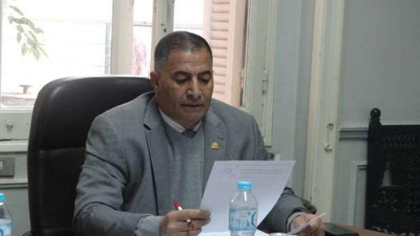 الدكتور البدري أحمد ضيف وكيل نقابة الأطباء البيطريين