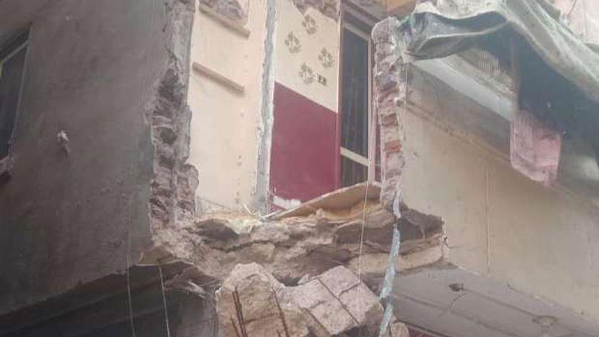 انهيار شرفة العقار