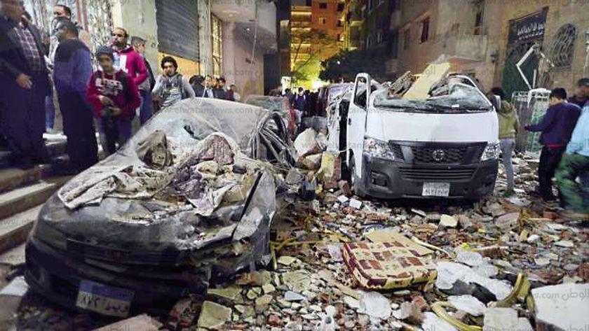 آثار الدمار فى موقع انفجار الهرم