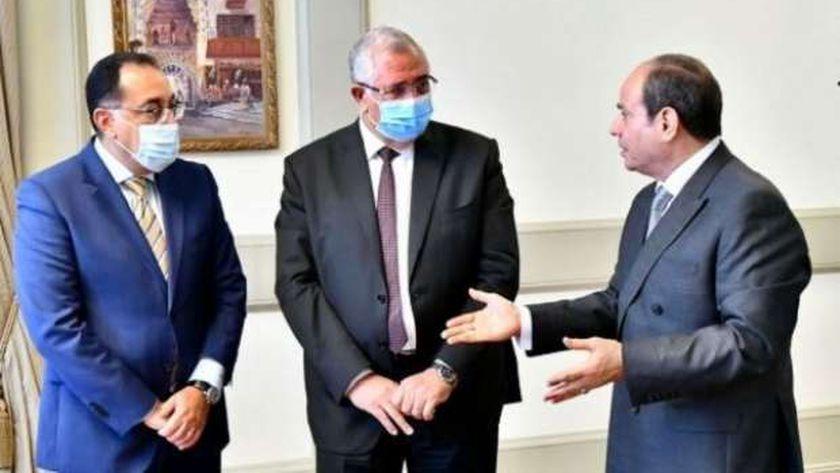 الرئيس عبد الفتاح السيسي خلال اجتماعه مع وزير الزراعة