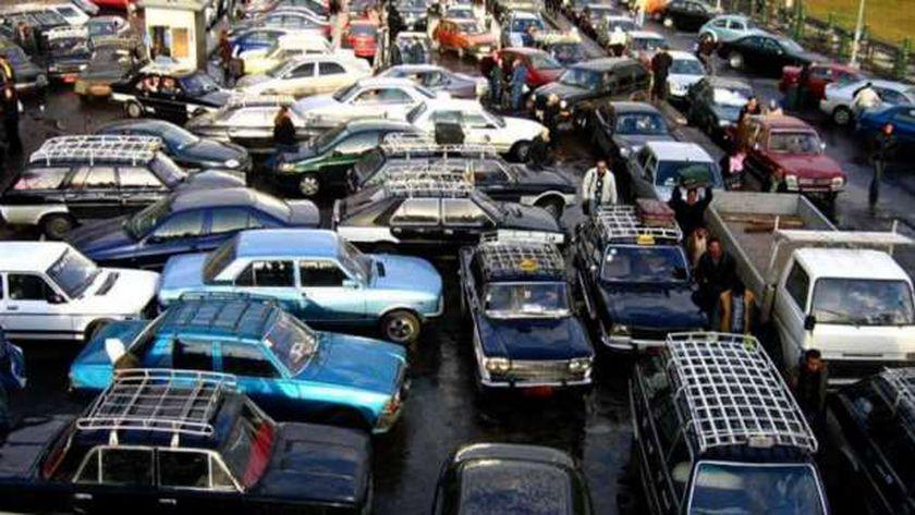 السيارات في شوارع مصر