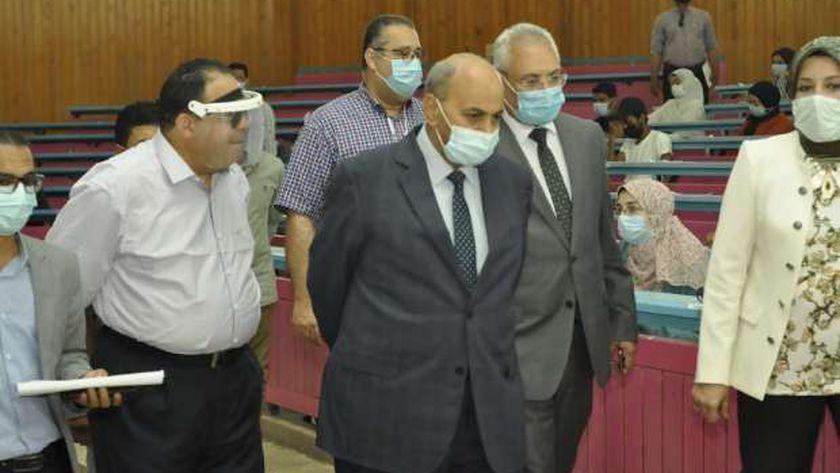 رئيس جامعة المنيا