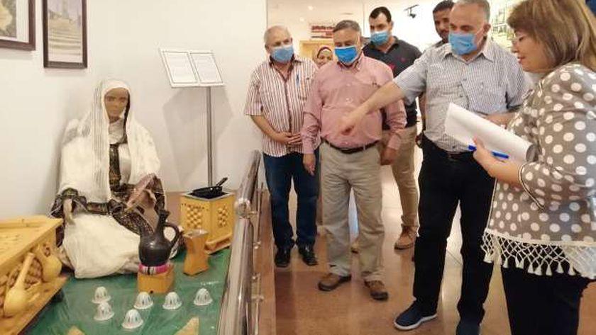 """وزير الري يتفقد قاعات """"متحف النيل"""" في أسوان"""