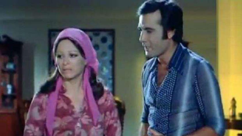 محمود ياسين وفاتن حمامة في مشهد من فيلم أفواه وأرانب