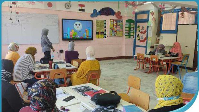 جانب من تدريب معلمي المدارس المصرية اليابانية