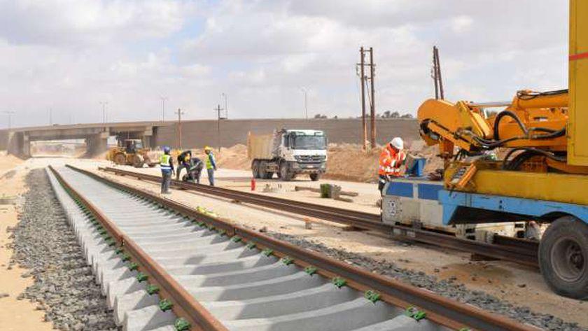 إنشاء خط القطار الكهربائي