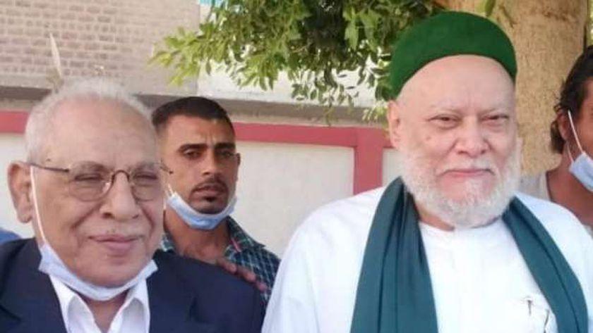 والد الكاتب الصحفي محمود مسلم رفقة الشيخ علي جمعة