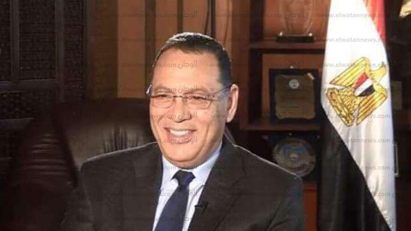 د ممدوح غراب رئيس جامعة قناة السويس
