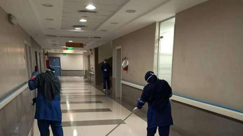 عمال النظافة بالمستشفى