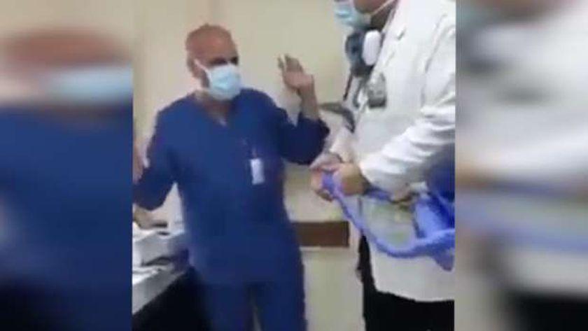 الطبيب المتهم في واقعة «اسجد لكلبي»