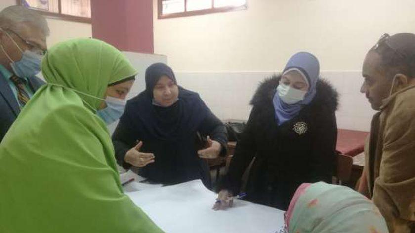 مركز نور البصيرة بجامعة سوهاج يناقش في ورشة عملسبل حماية الطفل