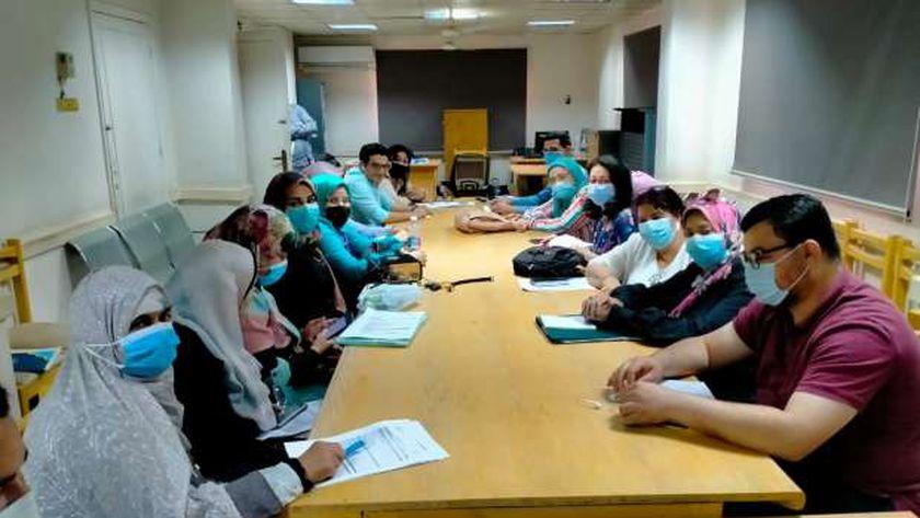 """صحة سوهاج تعقد الاجتماع الثاني """"للزمالة المصرية"""" لضم المستشفيات للبرنامج"""