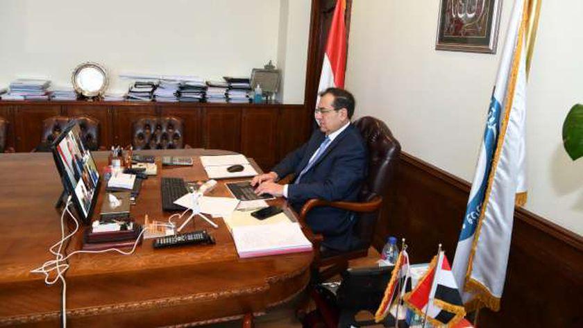 وزير البترول خلال الجمعية