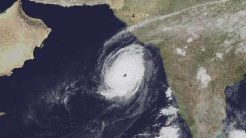 """بالفيديو.. إعصار """"ديميان"""" يضرب ساحل أستراليا"""
