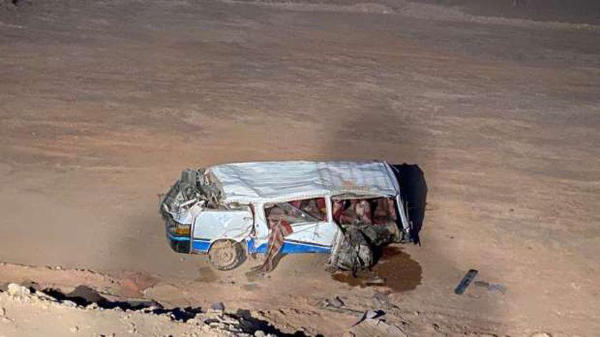 """إصابة ٤ اشخاص في تصادم على طريق """"سوهاج – البحر الأحمر"""""""
