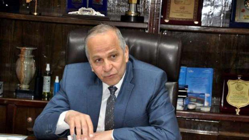 اللواء محمود عشماوي محافظ القليوبية الاسبق
