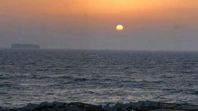 «الأرصاد» تحذر من ارتفاع الحرارة والرطوبة والشورة والعظمى بالقاهرة 36