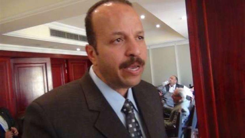 دكتور حسام عرفات، رئيس شعبة المواد البترولية