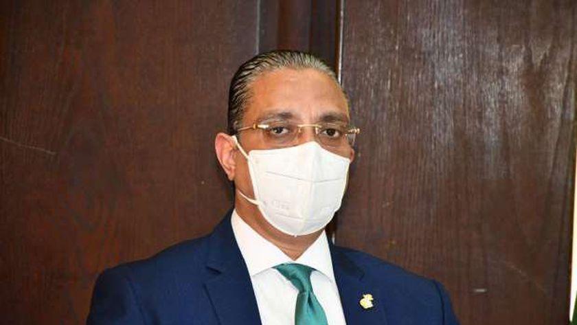 الدكتور أحمد الأنصاري.. محافظ الفيوم