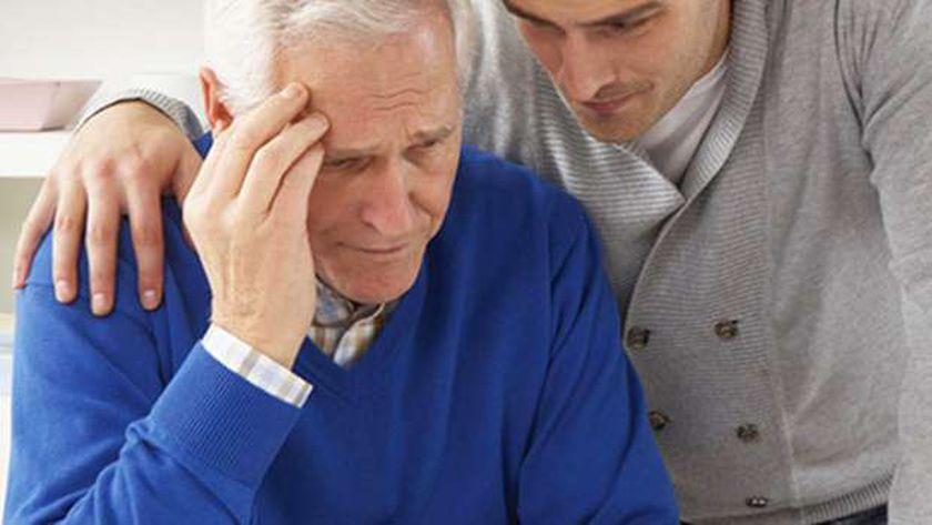 مريض الزهايمر يحتاج الدعم والرعاية - أرشيفية