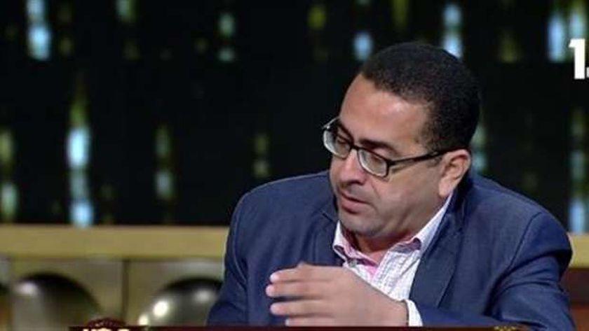 صبري عثمان مدير خط «نجدة الطفل»
