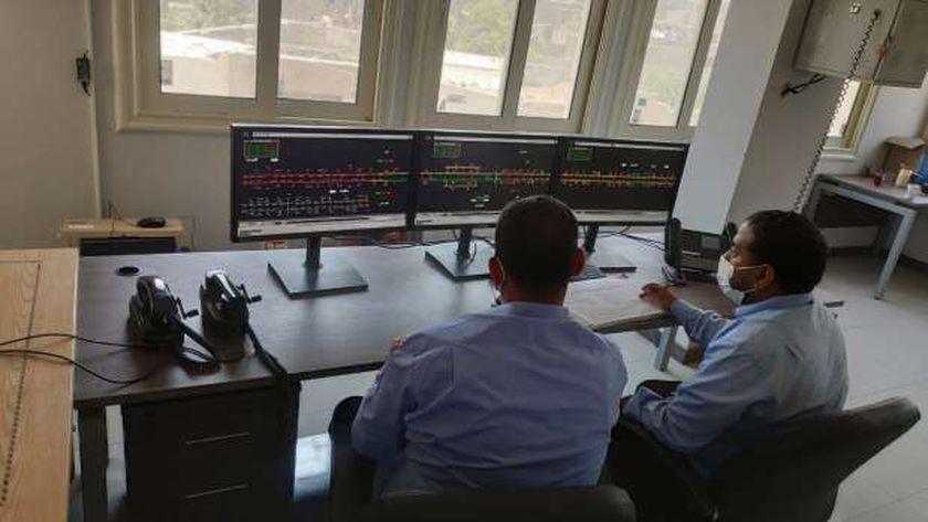 وزير النقل يعلن دخول أبراج ضمن تطوير نظم الإشارات لزيادة معدلات الأمان