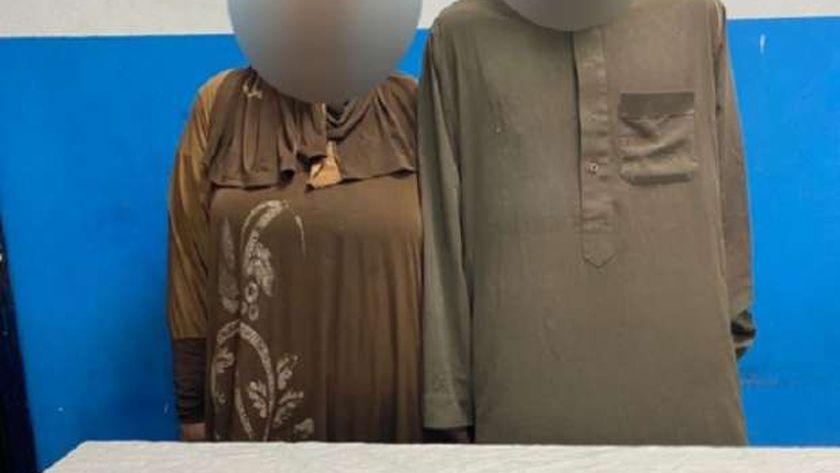 صورة ضبط لص وزوجته قتلا سائقا لسرقة التوك توك: ألقيا جثتة بالنيل من أعلى كوبري الساحل – حوادث