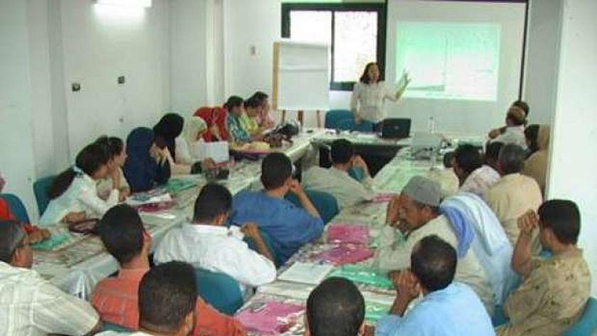 ندوات وحلقات نقاشية وورش تدريب لمؤسسات المجتمع المدنى فى المنيا