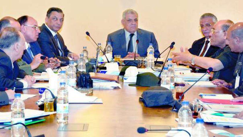 اجتماع لجنة استرداد اراضى الدولة