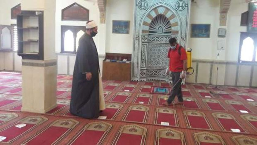 صورة تطبيق إجراءات النظافة والتطهير داخل وخارج مساجد جنوب سيناء – المحافظات