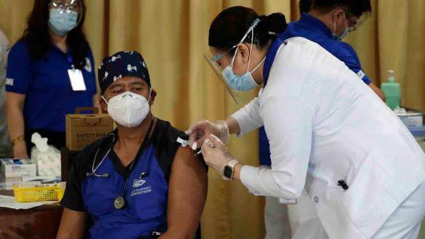 حملة تطعيم ضد كورونا فى الفلبين
