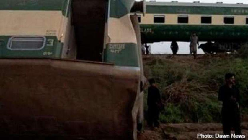 عاجل..مقتل أكثر من  30 قتيلا باصطدام قطارين جنوب باكستان