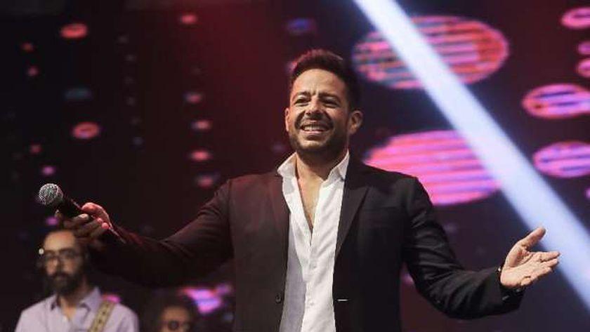 محمد حماقي يتألق في حفل «القاهرة الجديدة» بحضور نجوم الفن «صور»