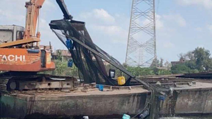 حملة لإزالة الأقفاص السمكية بنهر النيل بدسوق في كفر الشيخ