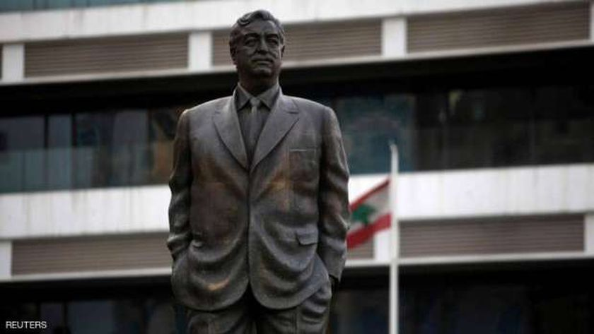 تمثال رفيق الحريري