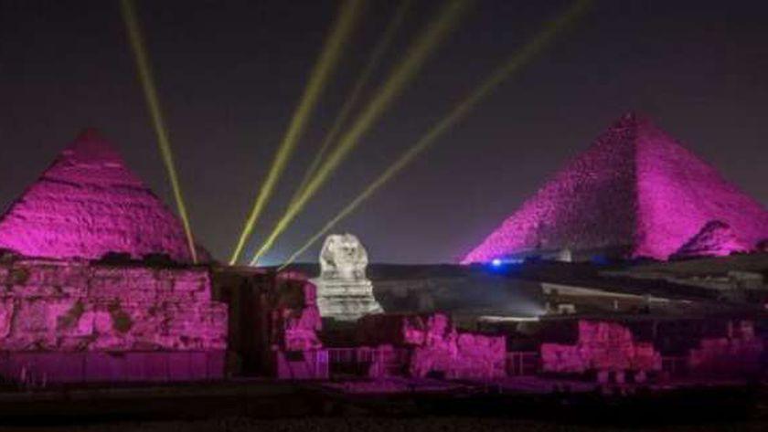 الصوت والضوء في الأهرامات