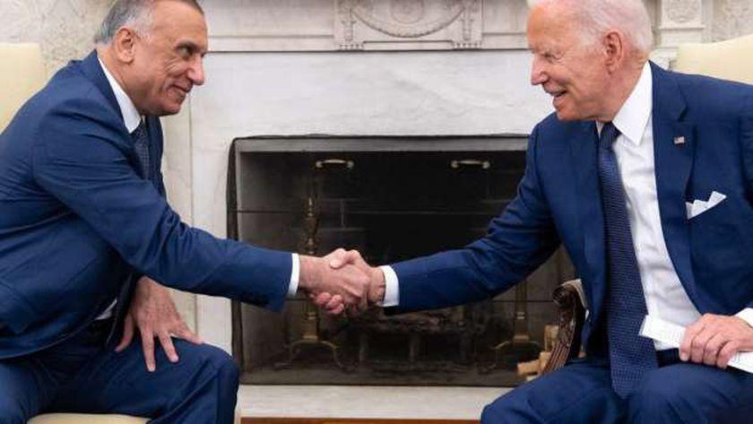 بايدن والكاظمي خلال لقائهما في البيت الأبيض