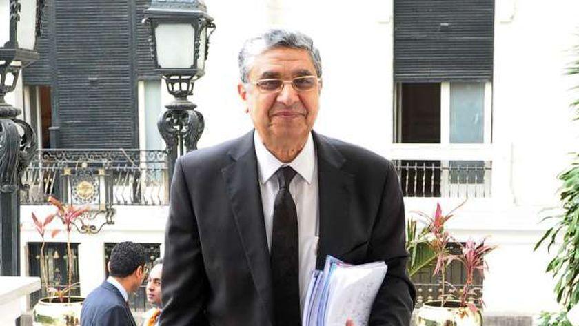 الدكتور محمد شاكر - وزير الكهرباء - صورة أرشيفية