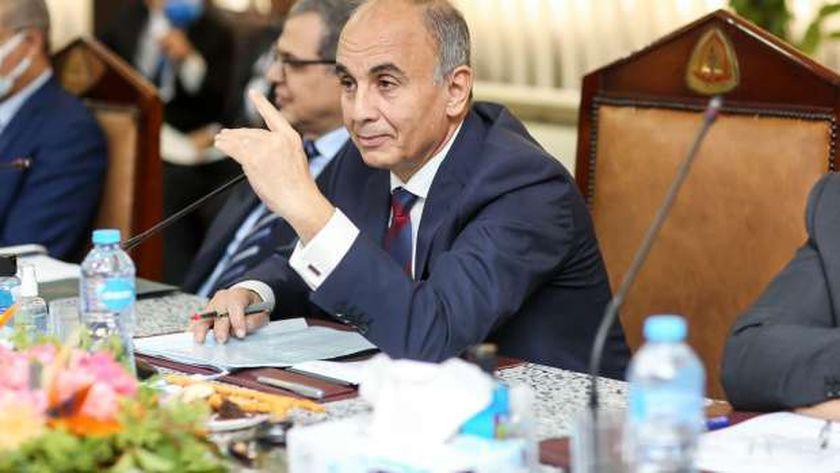 دكتور عثمان شعلان رئيس جامعة الزقازيق
