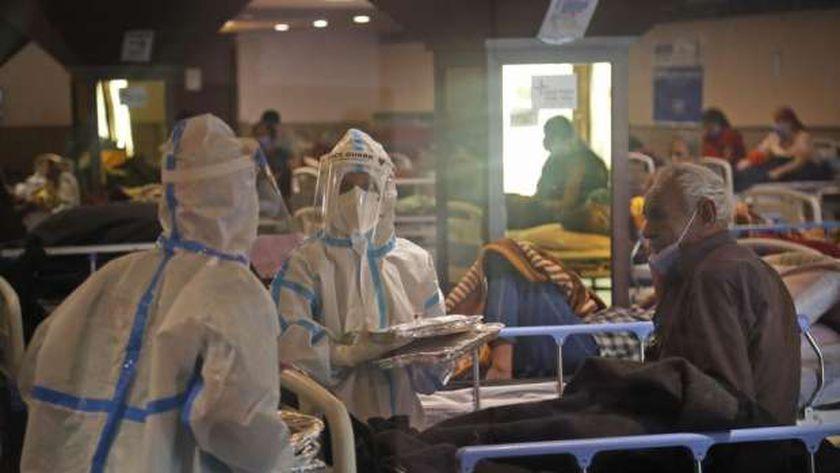 المنظومة الصحية في الهند تعاني بسبب كثرة إصابات كورونا