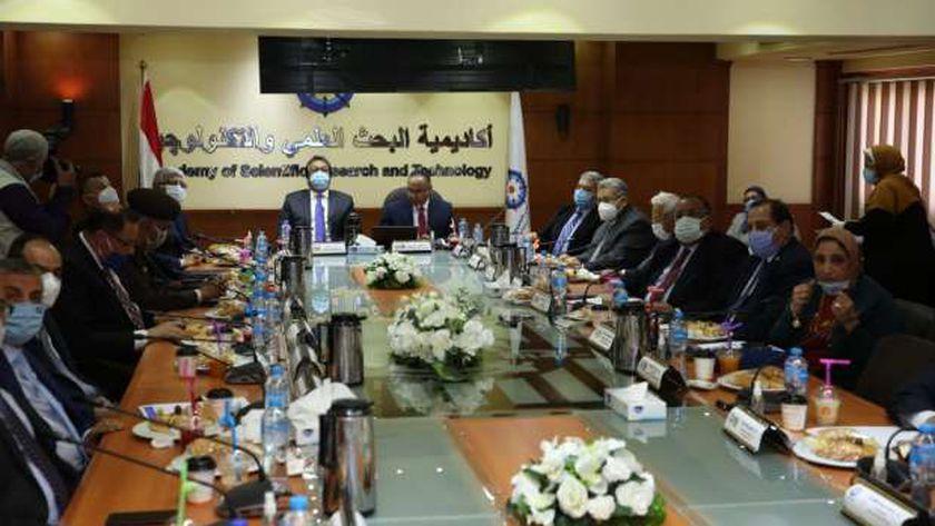 الدكتور خالد عبدالغفار وزير التعليم العالي  يعلن  أسماء الفائزين بجوائز الدولة لعام
