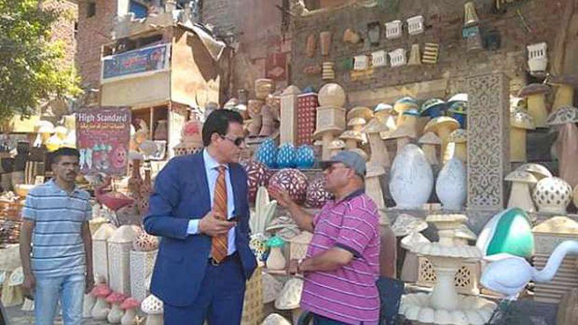 نائب محافظ القاهرة يطالب بإزالة اشغالات منطقة الفواخير