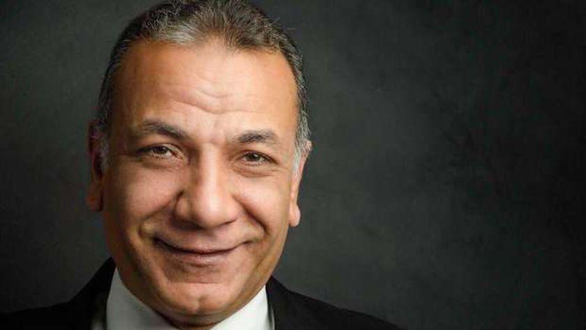 الدكتور إيهاب هيكل نقيب أطباء الأسنان