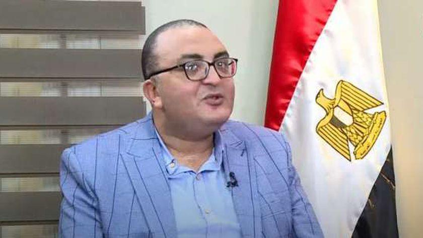 عمرو عزت مرشح تنسيقية شباب الأحزاب والسياسيين عن حزب التجمع
