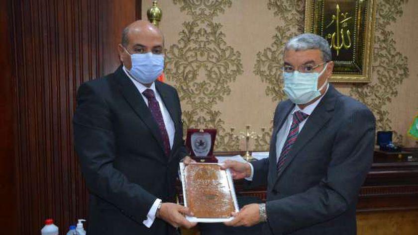 محافظ المنيا ووكيل وزارة التعليم