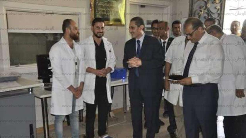 رئيس جامعه القناة يفتتح أول وحدة للسكتة الدماغية والحضانات بالمستشفى الجامعي.
