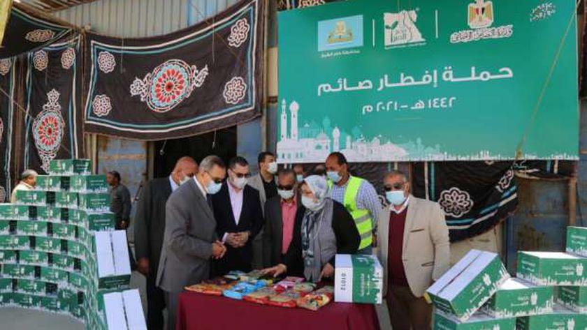 كفر الشيخ توزع 11 ألف كرتونة رمضانية على المستحقين و 500 وجبة ساخنة يوميا